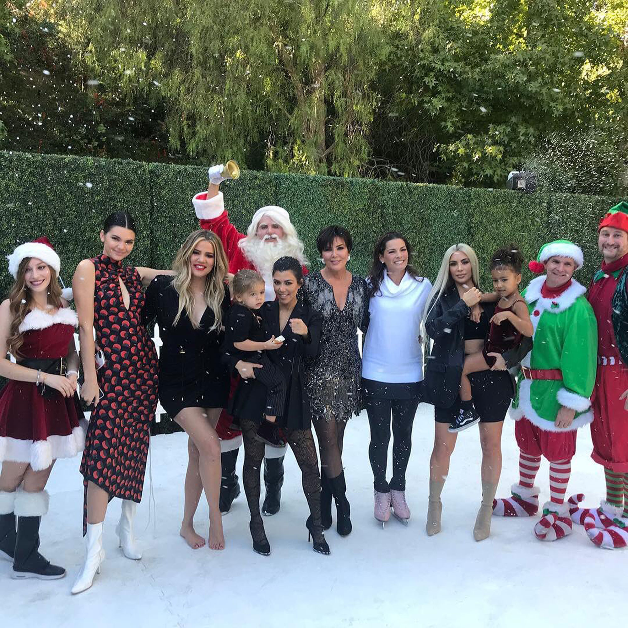 Karjenner Christmas Card 2020 Day 6! KarJenners Share New Peek at Christmas Card – Featuring
